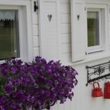 mammaloewagen met prachtige bloembakken buitengoed de gaard
