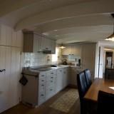 ruime keuken met eettafel woonkamer pipowagen mammaloe foto harrie bos